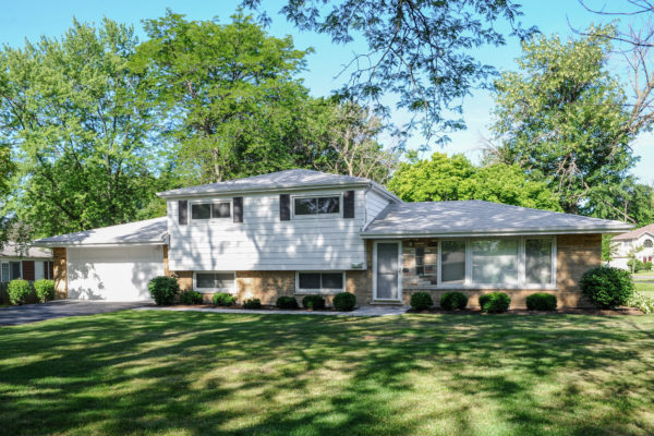 3807 Rugen Road, Glenview, Illinois 60025